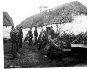 Family_evicted_by_their_landlord_during_the_Irish_potato_famine